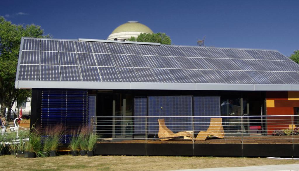 Solardach-Haus-Elektroauto