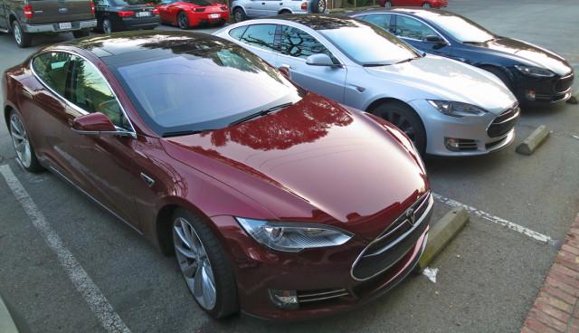 Tesla-Model-S-Elektroauto-Firmenwagen