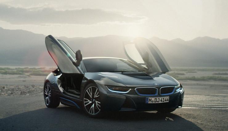 BMW-i8-Fluegeltueren-740×425
