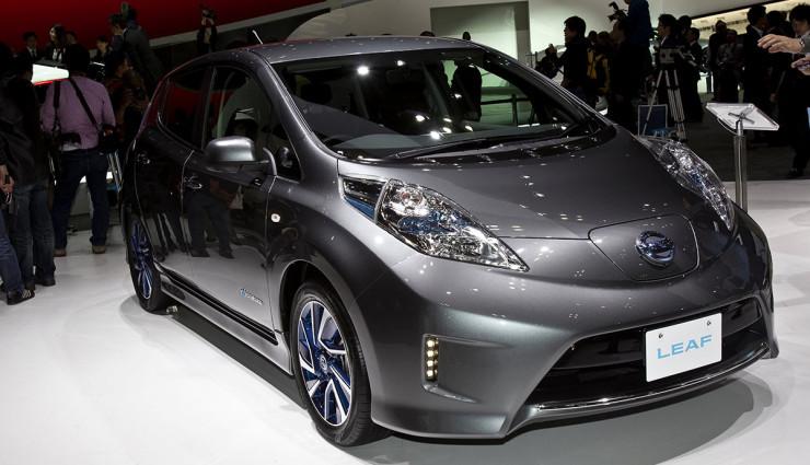 Nissan-LEAF-300-Kilometer-Reichweite-Elektroauto-740×425