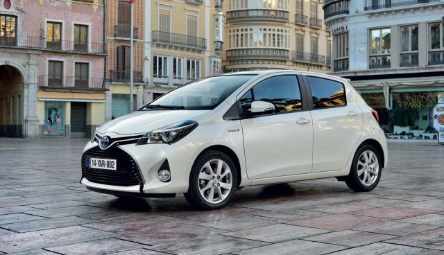 Toyota-Yaris-Hybrid-2014-Seite