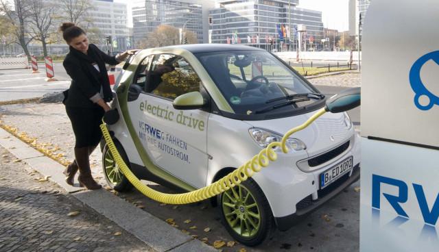 Elektroautos-laden-parkverbot