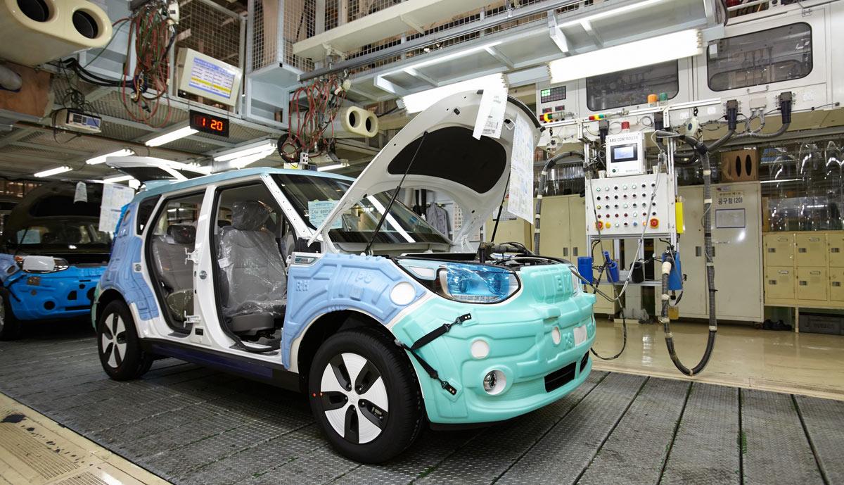 Soul EV Kia startet Elektroauto Produktion Bilder