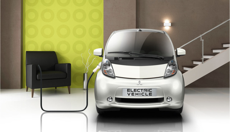 Mitsubishi-Elektroauto-aufladen-Stromspeicher
