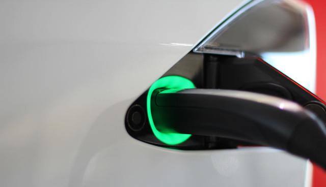 Tesla-Model-S-Foerderung-Oekostrom