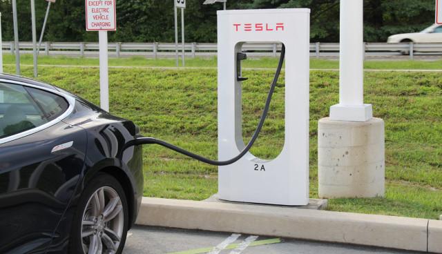 Tesla-Supercharger-Deutschland