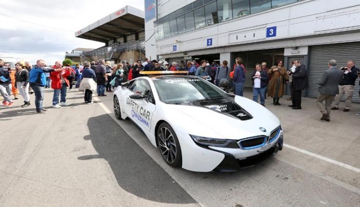 Formel E BMW i8 Kabelloses Laden
