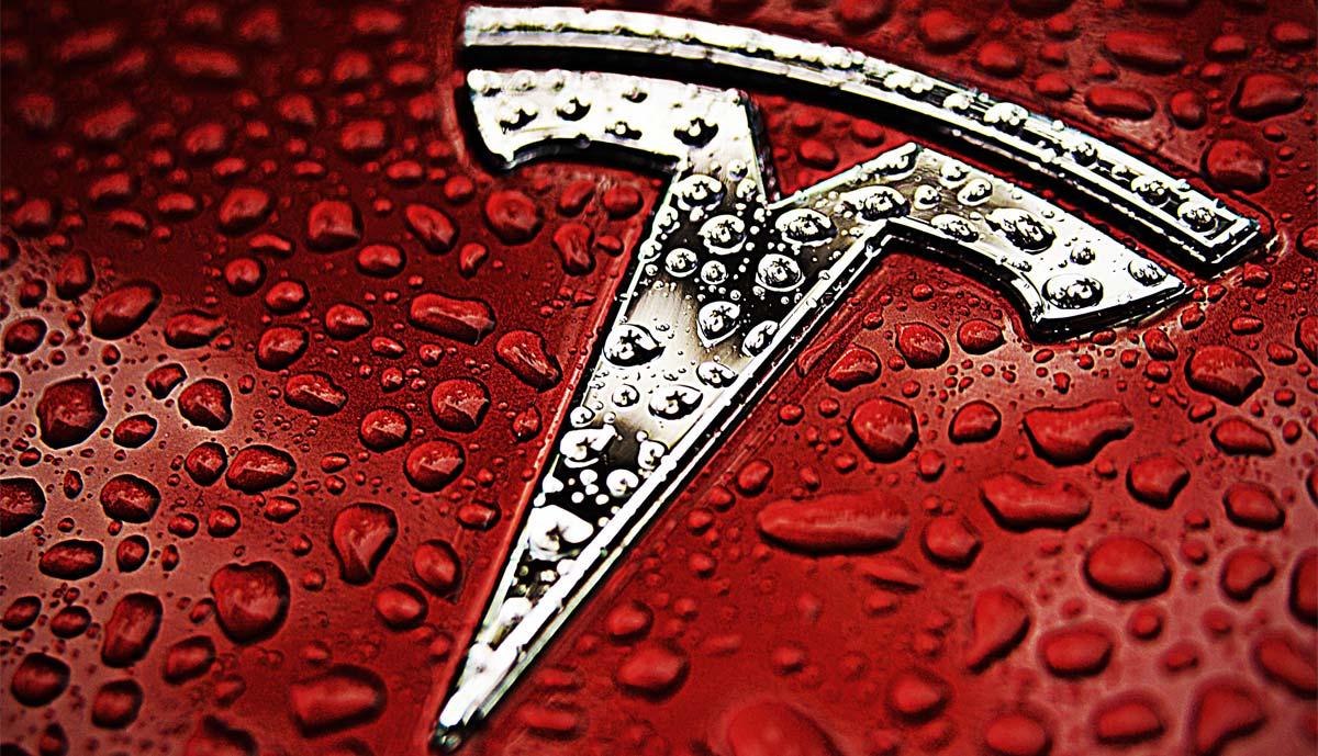 Tesla 90 Prozent Mehr Umsatz Dennoch Verluste