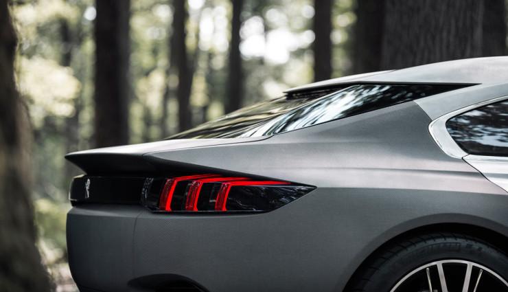 Peugeot-Exalt-Hybridauto-Heck