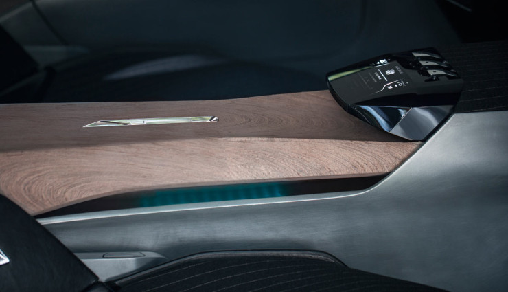 Peugeot-Exalt-Hybridauto-Innen