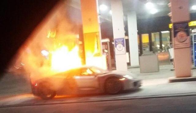 Porsche-918-Spyder-fire
