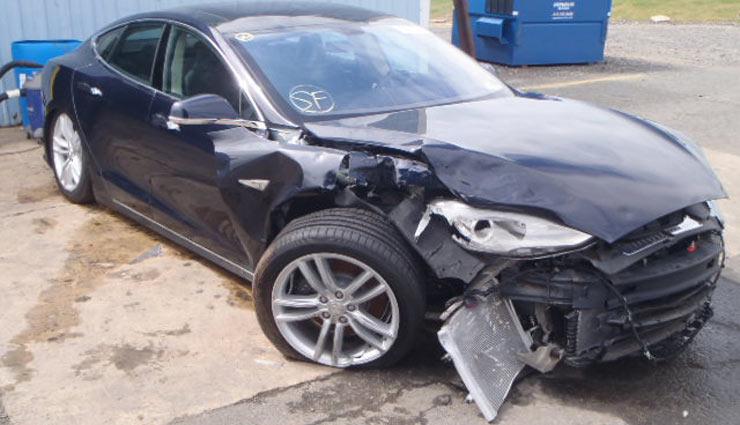 Vom verzweifelten Versuch, ein Tesla Model S mit Totalschaden wieder auf die Straße zu bringen