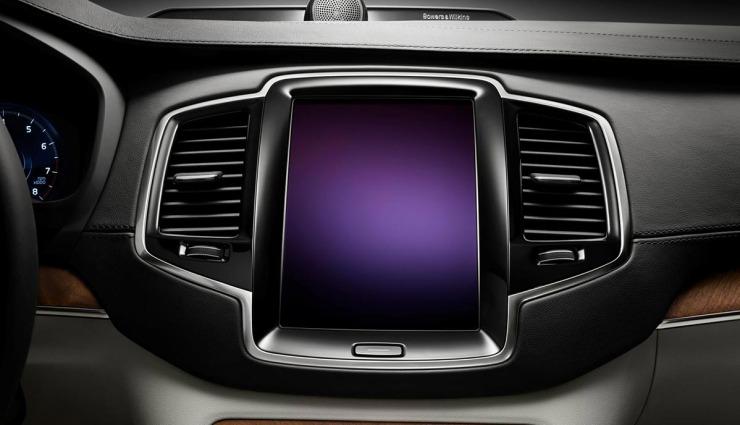 2015-Volvo-XC90-Plug-in-hybrid-10