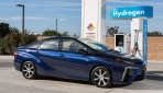 2016_Toyota_Fuel_Cell_Vehicle_014
