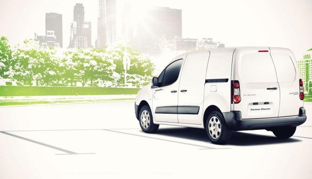 Elektroauto-Transporter-Handwerk-gewerblich