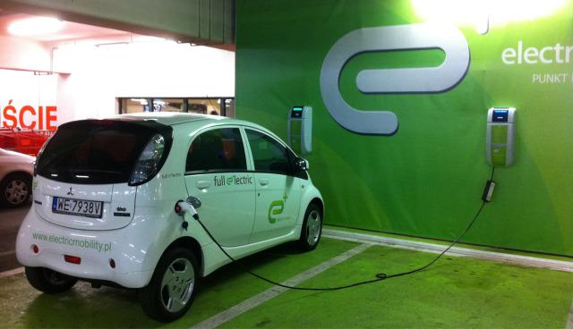 Darf man sein Elektroauto in der Tiefgarage laden?