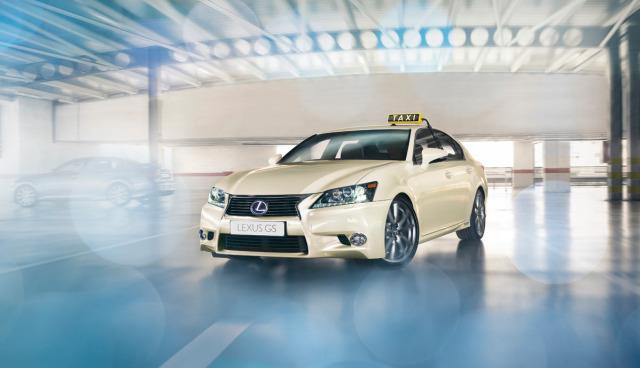 Lexus-GS-Hybridauto-Taxi