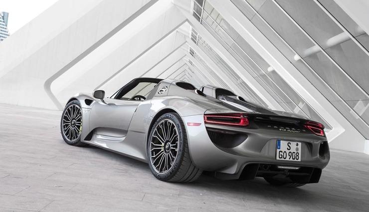 Porsche-918-spyder-gallery-02