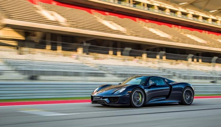 Porsche-918-spyder-gallery-19