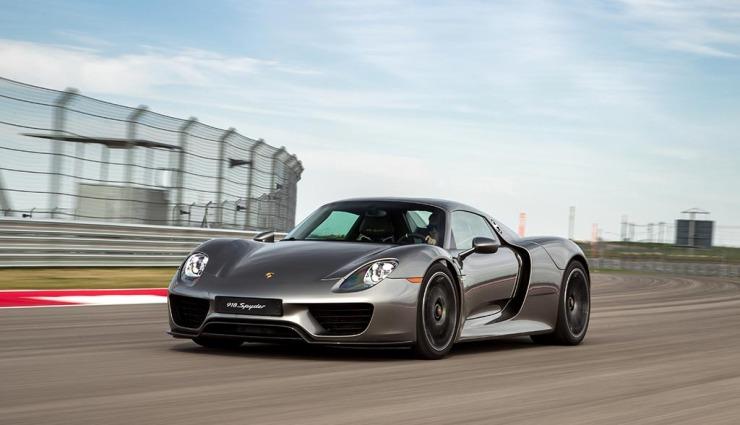 Porsche-918-spyder-gallery-21