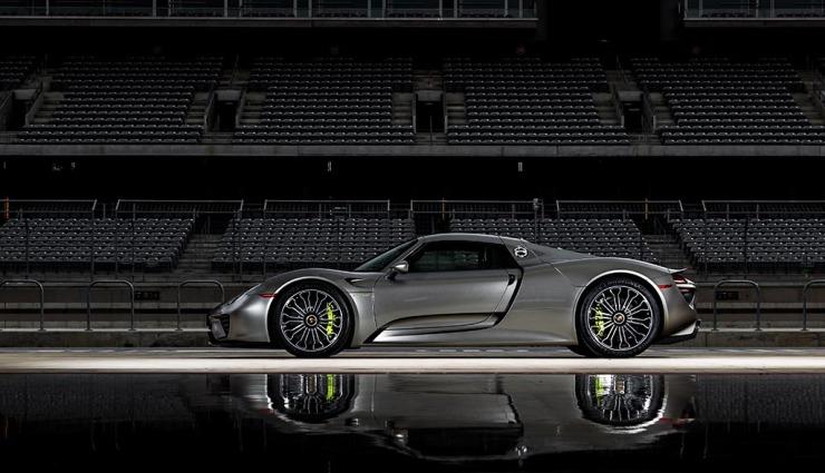 Porsche-918-spyder-gallery-25