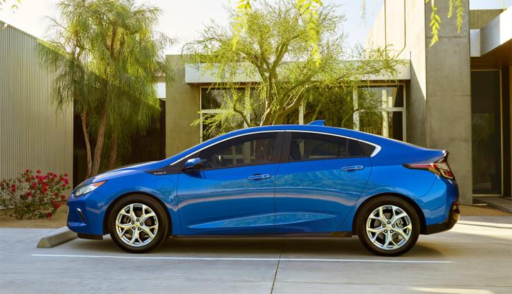 2016-Chevrolet-Volt-011