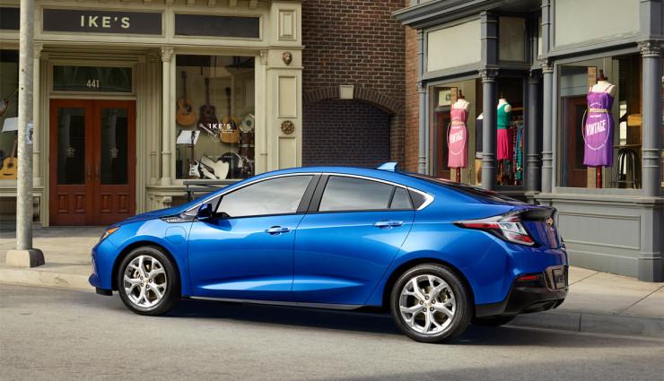 2016-Chevrolet-Volt-013