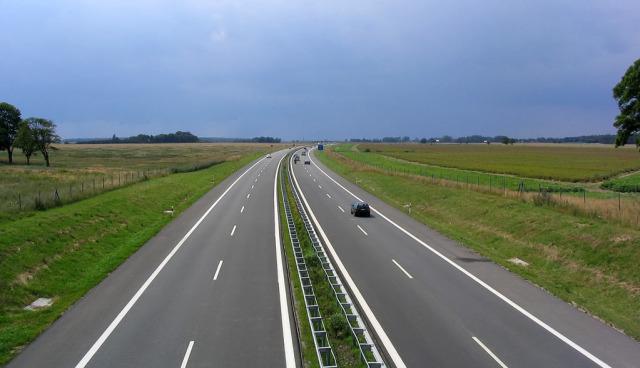 Elektroauto-Ladestation-A23