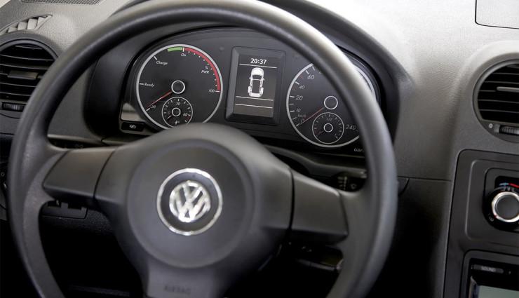 Kreisel-Elektroauto-VW-Caddy