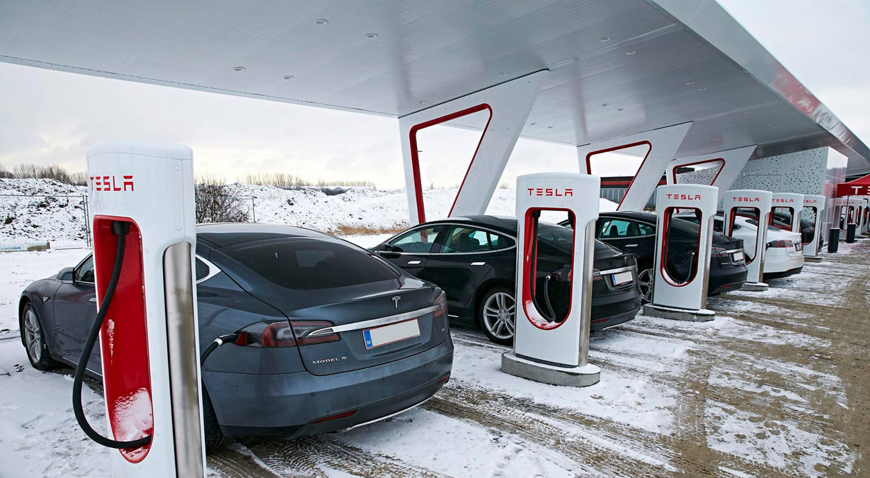 Tesla-Supercharger-Solar-2