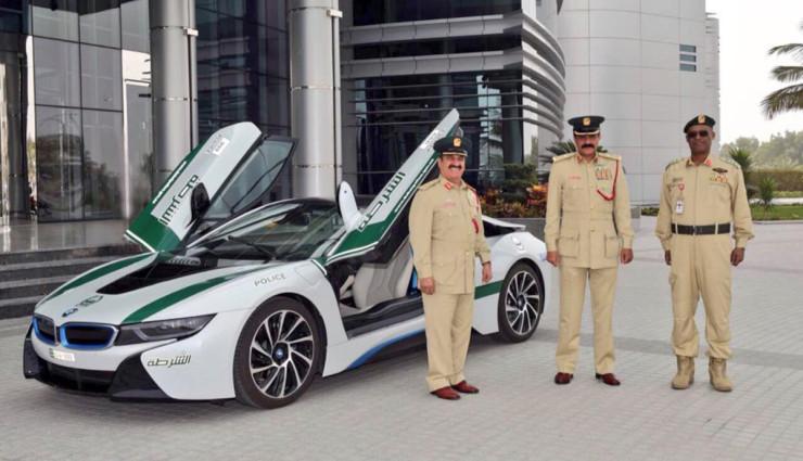 BMW-i8-Polizei-Dubai-3