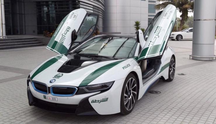 BMW-i8-Polizei-Dubai-7