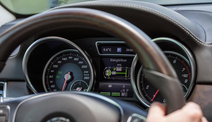 Mercedes-Benz-GLE-e-1