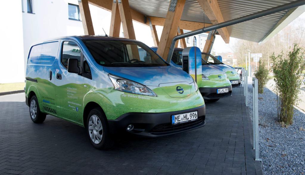 e-auto-transporter: biobäcker produziert & fährt emissionsfrei