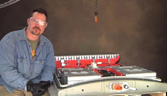 Nissan-LEAF-EV-batterie-technik-innen