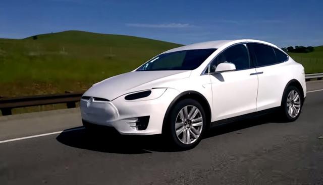 Tesla-Model-X-Video