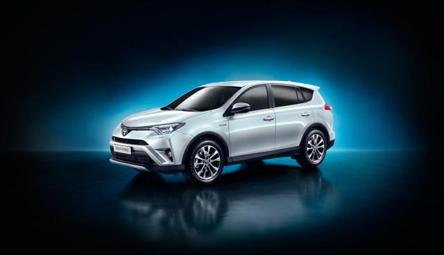 Toyota-RAV4-Hybrid-2