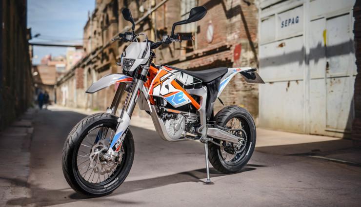 KTM-Elektromotorrrad-E-SM-Freeride-E-1