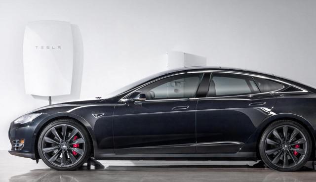 Tesla-PowerWall-BatterieSpeicher-Bilder