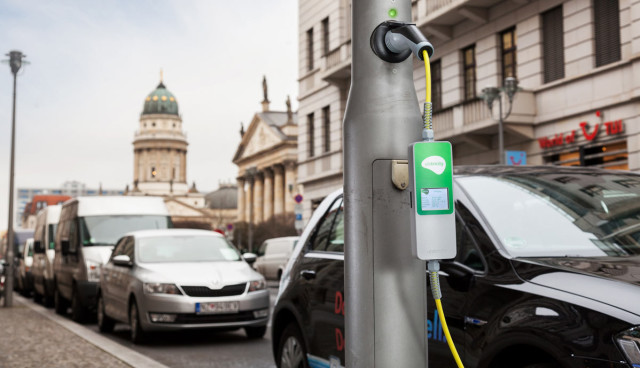 elektroauto-latenen-laden-ubitricity