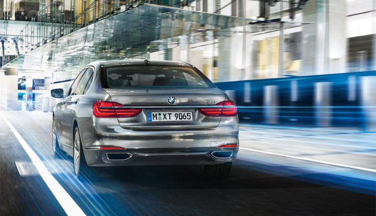 BMW-740e-Plug-in-Hybrid-2016-3