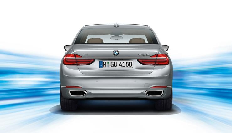 BMW-740e-Plug-in-Hybrid-2016-4