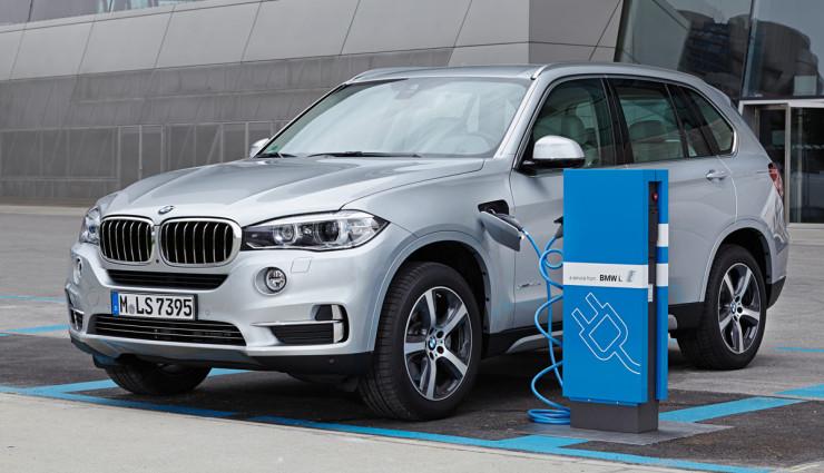 BMW-xDrive40e-laden
