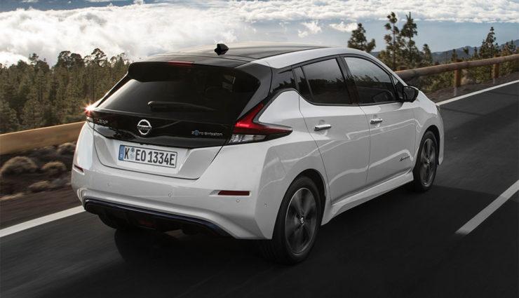 Nissan-LEAF-ZE1-2017-15