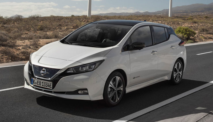 Nissan-LEAF-ZE1-2017-17