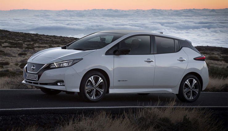 Nissan-LEAF-ZE1-2017-18