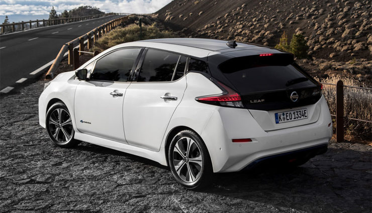 Nissan-LEAF-ZE1-2017-19