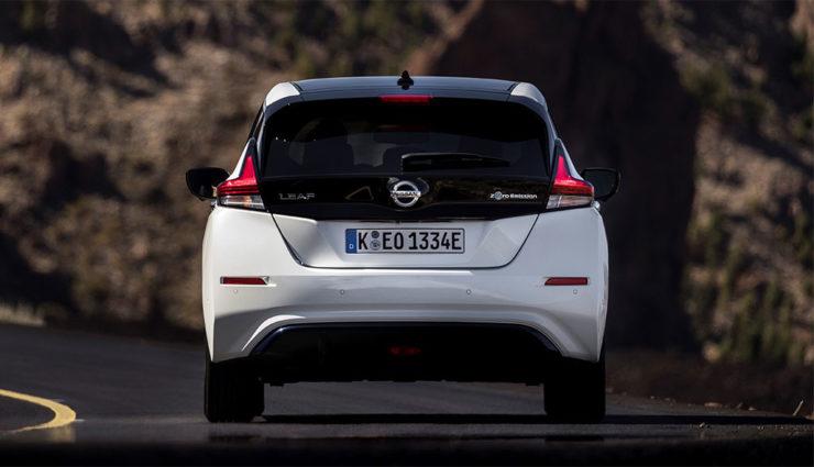 Nissan-LEAF-ZE1-2017-4