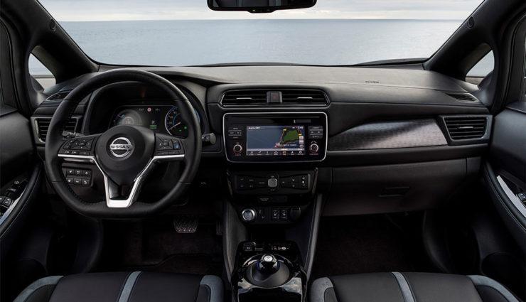 Nissan-LEAF-ZE1-2017-8