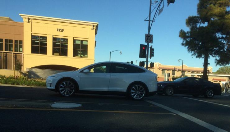 Tesla-Model-X-Bilder-2